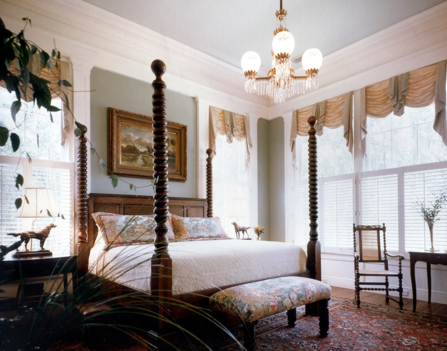 Historical concepts homes farmsteads estates for Southern style bedroom